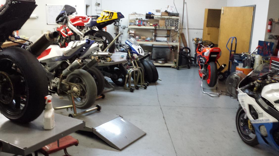 So this is where I belong!-race-shop.jpg